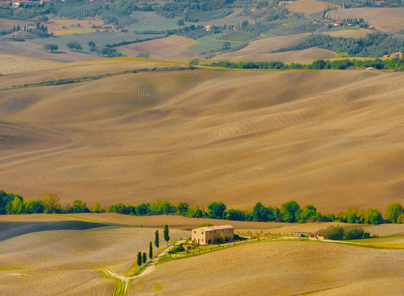 montepulciano countryside walk